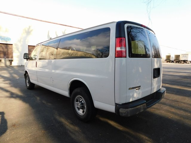 Pre-Owned 2016 Chevrolet Express 3500 LT
